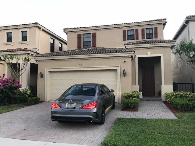 724 NE 193rd Street, Miami, FL 33179