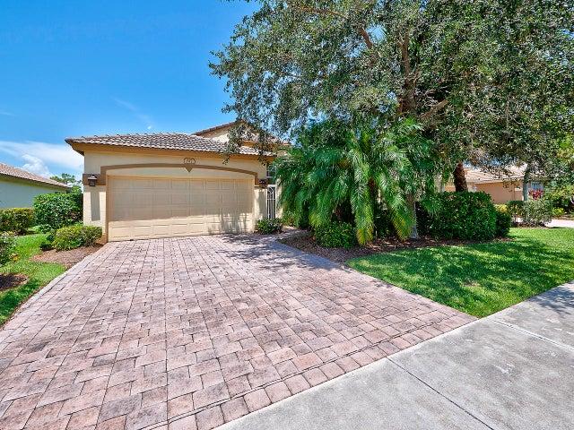 727 NW Mossy Oak Way, Jensen Beach, FL 34957