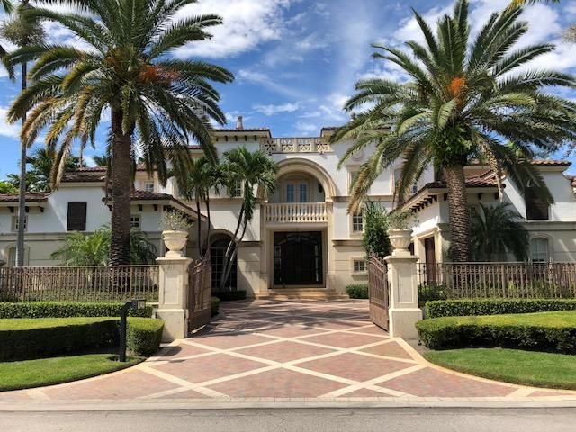 Magnificent 6 Bedroom, 7.2 Bath Residence With Master Down, Separate His  And Her Baths, Gourmet Kitchen, 5 Bedrooms Upstairs. Private Elegant Master  Suite ...