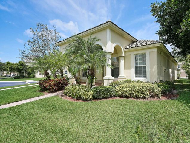 8107 Bautista Way, Palm Beach Gardens, FL 33418