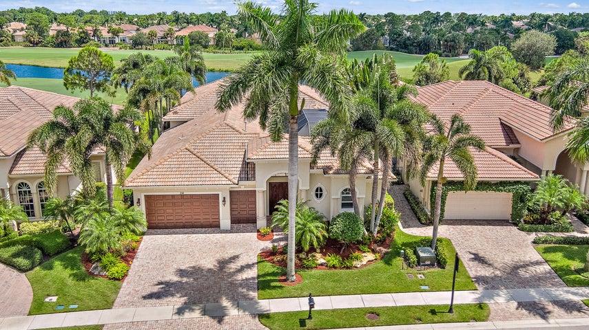 214 Montant Drive, Palm Beach Gardens, FL 33410