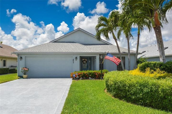 6272 SE Ames Way, Hobe Sound, FL 33455