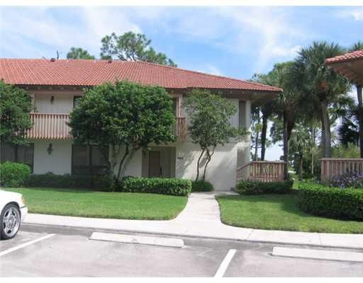 352 Brackenwood Circle, Palm Beach Gardens, FL 33418