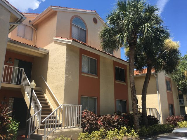 Great for Investors & First Time Buyers – One Yr NEW A/C, NO Popcorn Ceiling, Freshly Painted, Interior Washer& Dryer, LOW Condo Assoc Fee, Pet Welcomed!