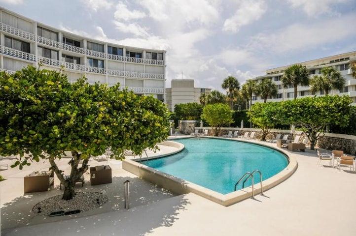 2760 S Ocean Boulevard, 111, Palm Beach, FL 33480