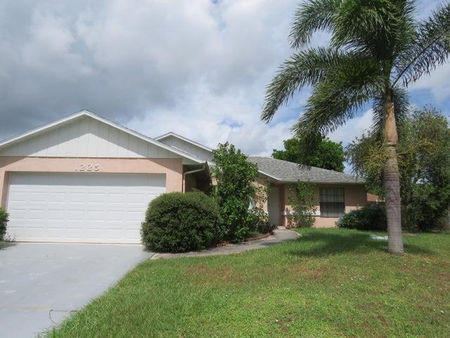 1225 SW San Esteban Avenue, Port Saint Lucie, FL 34953