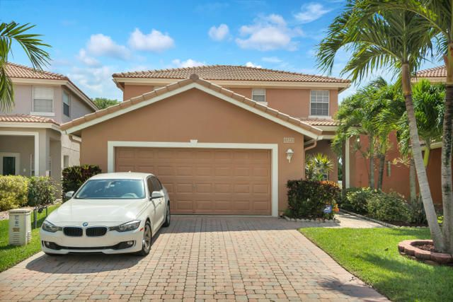 Over 2000 sqft of meticulously maintained perfection on an oversized lot