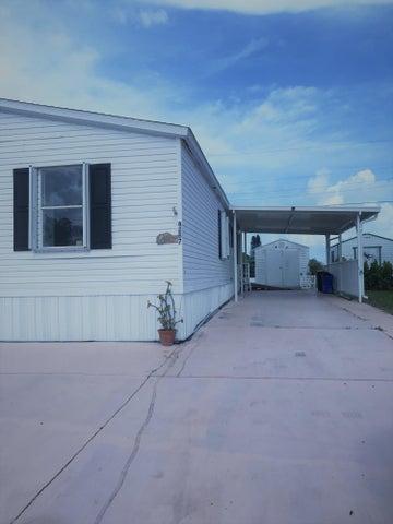 8267 SE Swan Avenue, Hobe Sound, FL 33455