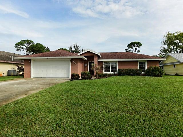 963 SE Atlantus Avenue, Port Saint Lucie, FL 34983