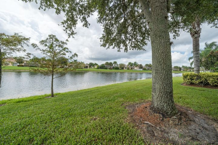 8164 Pine Cay Road, Wellington, FL 33414