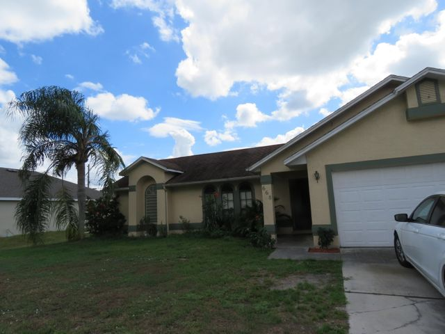 668 SW Hillsboro Circle, Port Saint Lucie, FL 34953