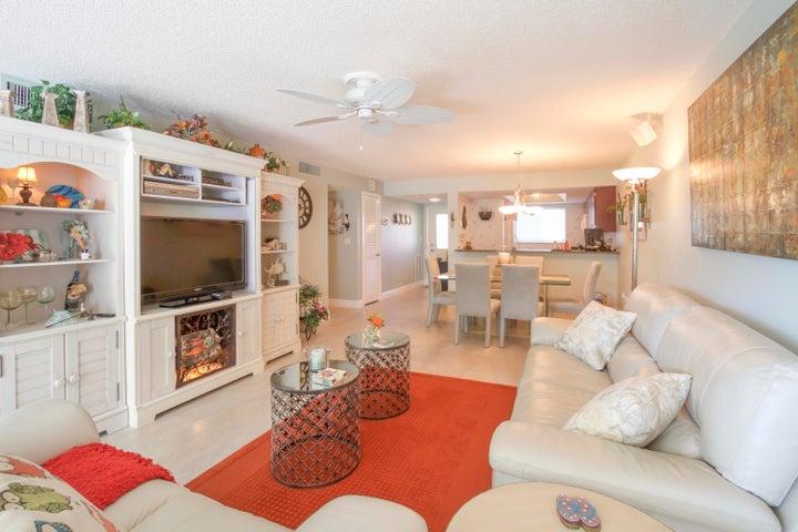 1600 NE Dixie Highway, 10-207, Jensen Beach, FL 34957