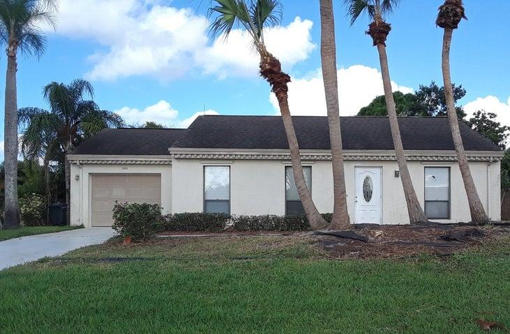 2062 SE Doverbrook Street, Port Saint Lucie, FL 34983