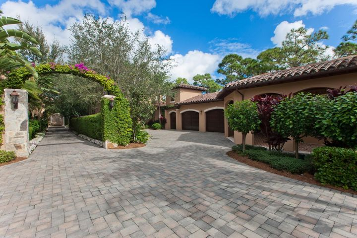 Beautiful Bears Club cottage located on the 9th fairway directly next to the clubhouse.  Upper tier finishes have been used throughout this cottage.  One car garage plus golf cart garage.