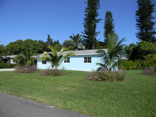 219 SE 22nd Avenue, Boynton Beach, FL 33435