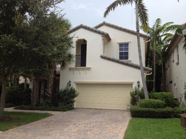 Beautiful 3 Bedroom Bath Plus Den 2 Story Home In A Gated Resort Style Community This Features Ss Liances Granite Counter Tops Tile Flooring