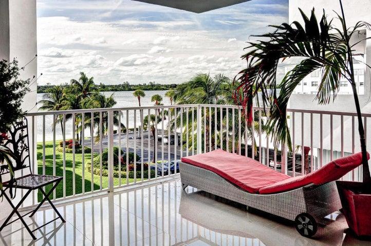 2860 S Ocean Boulevard, 402, Palm Beach, FL 33480