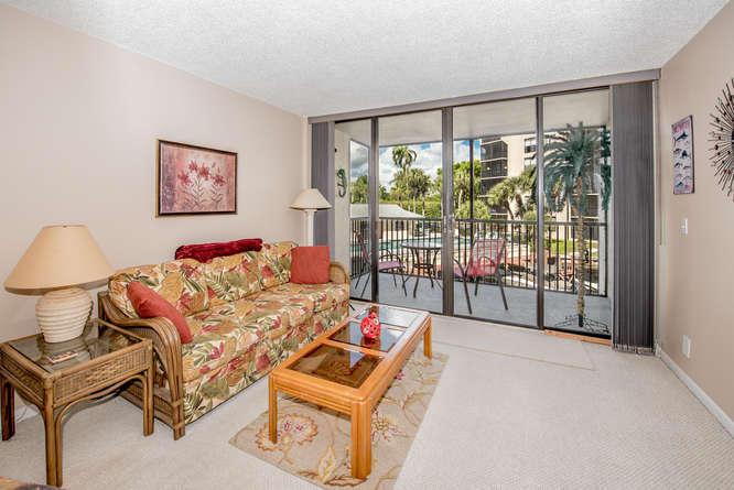 21 Royal Palm Way, 204, Boca Raton, FL 33432