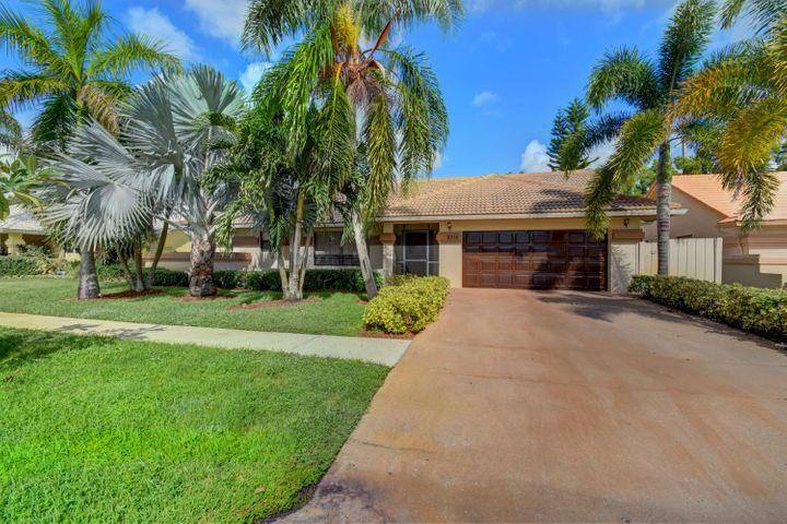 9315 Laurel Green Drive, Boynton Beach, FL 33437