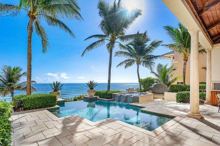 Infinity salt water pool and spa