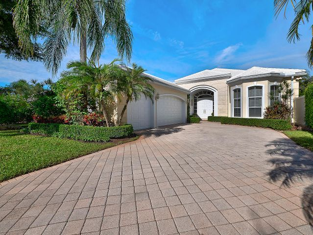 1149 Crystal Drive, Palm Beach Gardens, FL 33418