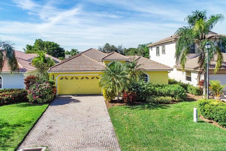 8242 Bob-O-Link Courtyard Home