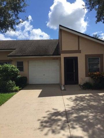 8938 Sunnywood Place, Boca Raton, FL 33496