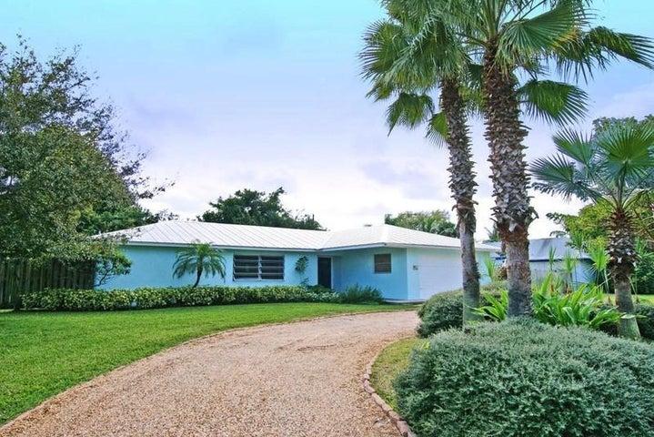 8 Palmetto Way, Tequesta, FL 33469