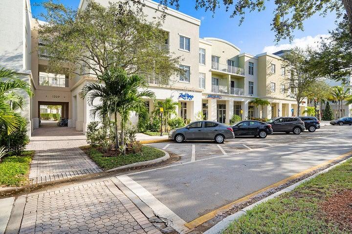 1209 Main Street, 306, Jupiter, FL 33458