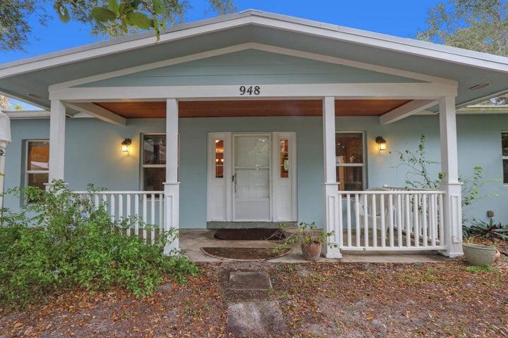 948 NE Kubin Avenue, Jensen Beach, FL 34957