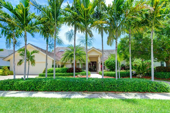 16890 Silver Oak Circle, Delray Beach, FL 33445