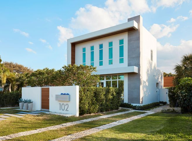 102 NE 11th Street, Delray Beach, FL 33444