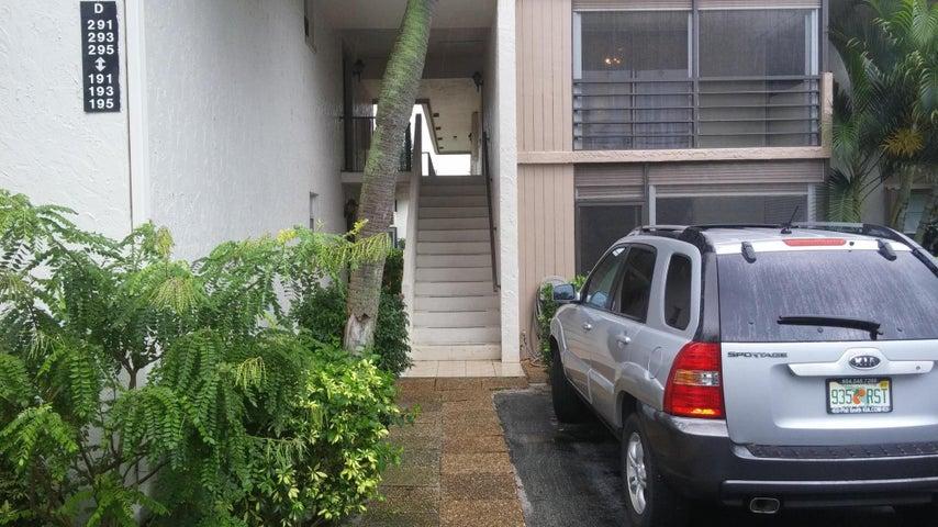 Second floor unit facing the entrance parking.