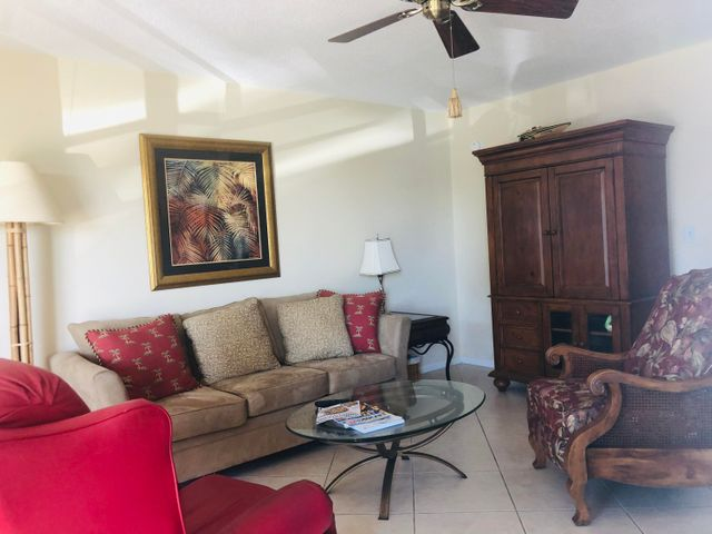 106 Stratford H, West Palm Beach, FL 33417