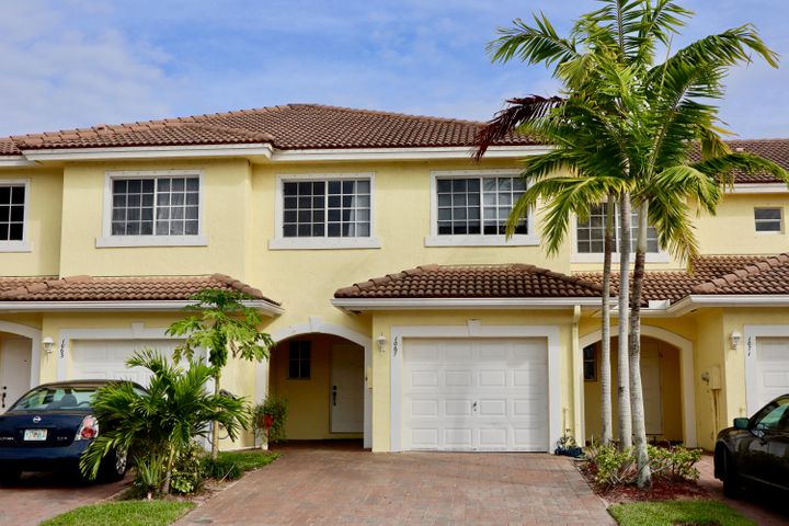 1067 Imperial Lake Road, West Palm Beach, FL 33413