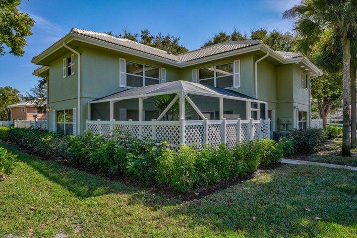 1920 Hartford Court, West Palm Beach, FL 33409