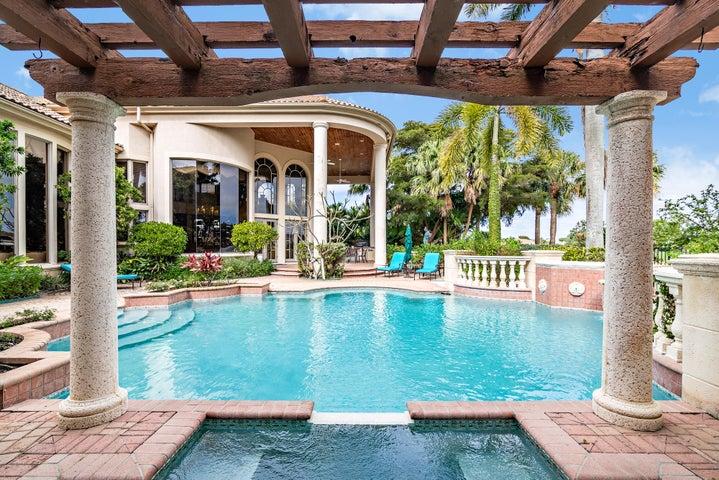 42 St Thomas Dr. Palm Beach Gardens