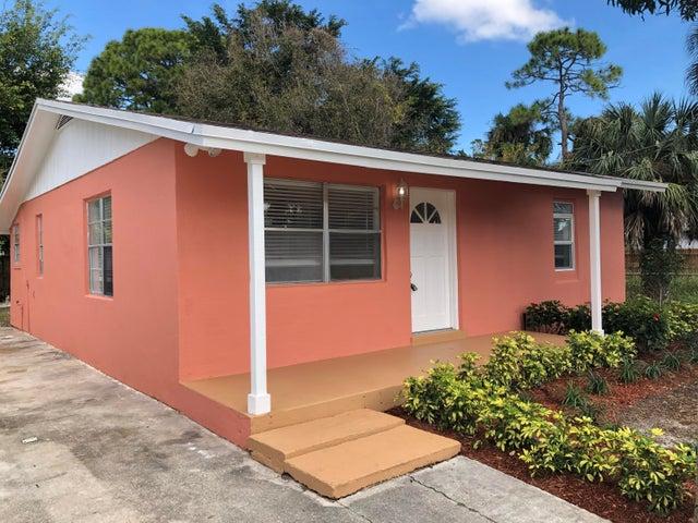 6811 3rd Street, Jupiter, FL 33458