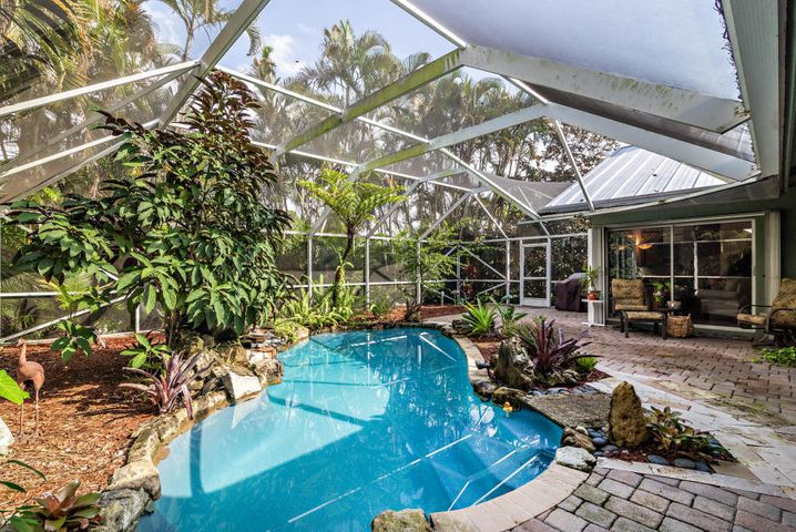 18258 Lake Bend Drive, Jupiter, FL 33458