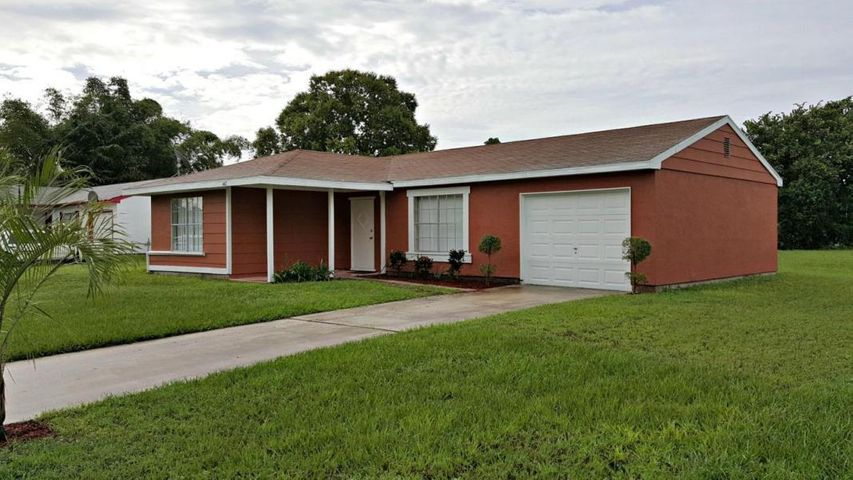 442 SW Belmont Circle, Port Saint Lucie, FL 34953