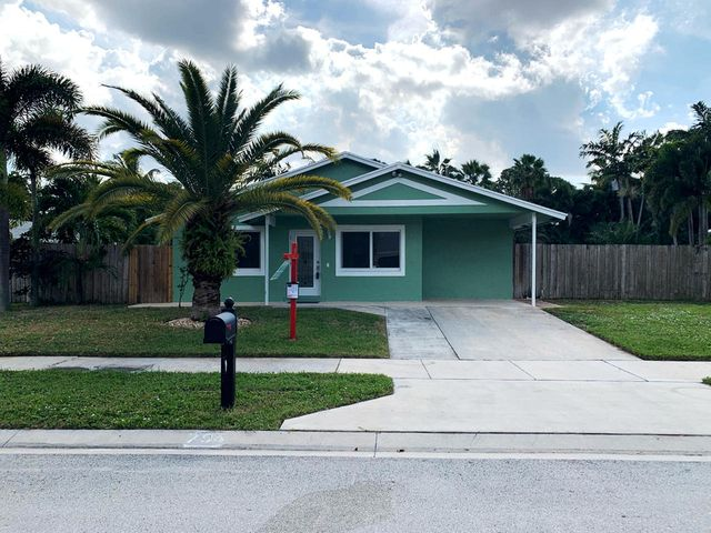 704 NE 9th Avenue, Boynton Beach, FL 33435