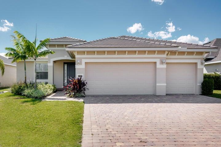 440 NW Sunflower Place, Jensen Beach, FL 34957