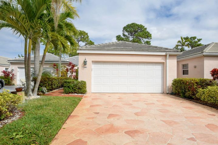 1062 Island Manor Drive, Greenacres, FL 33413