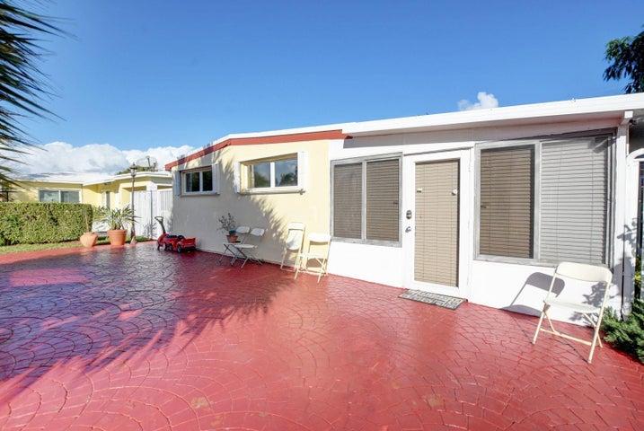 1610 NE 3rd Court, Boynton Beach, FL 33435