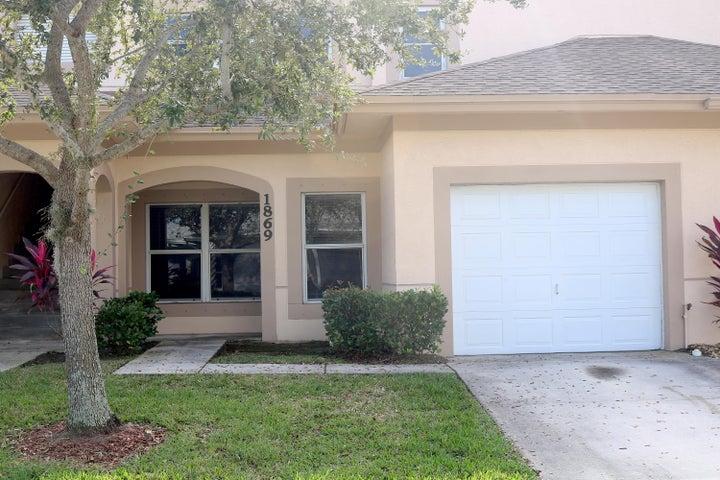 1869 Sandhill Crane Drive, Fort Pierce, FL 34982