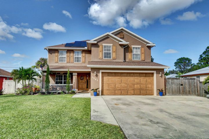 1543 SW Silver Lane, Port Saint Lucie, FL 34953