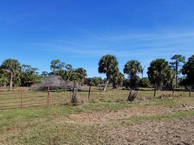 4701 SW Wild Turkey Lane, Indiantown, FL 34956