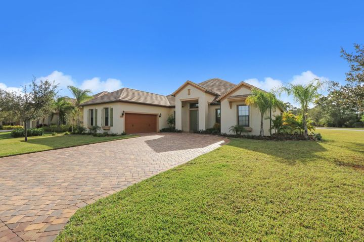 1020 SW Scrub Oak Avenue, Palm City, FL 34990