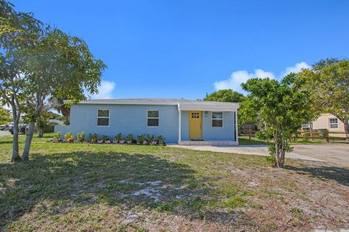 1425 S C Terrace, Lake Worth, FL 33460