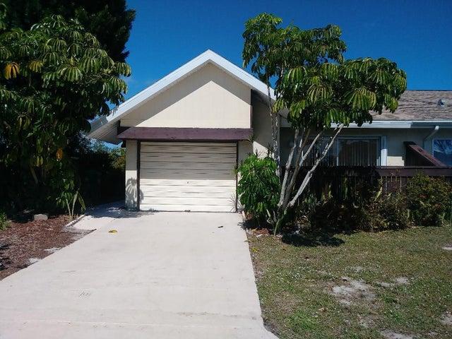 1429 SE Larkwood Circle, Port Saint Lucie, FL 34952